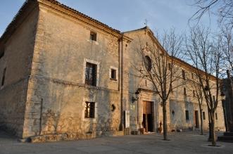 Fachada barroca del convento.