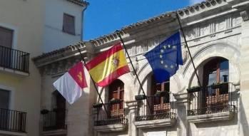 Banderas rectificadas por la alcaldesa en marzo de 2017