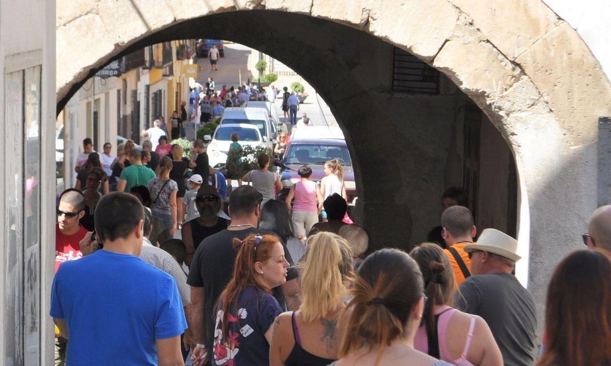 """El aparcamiento para discapacitados está a una distancia """"excesiva"""" del centro del pueblo, según la Junta"""