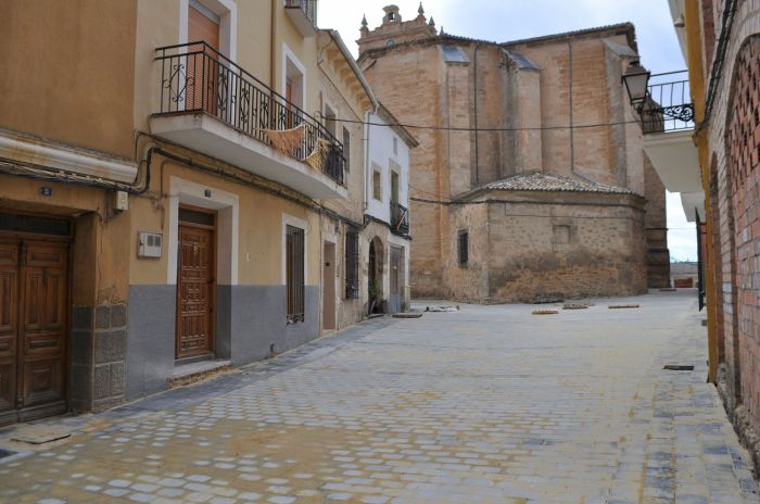 adoquinado obras calle iglesia urbanismo