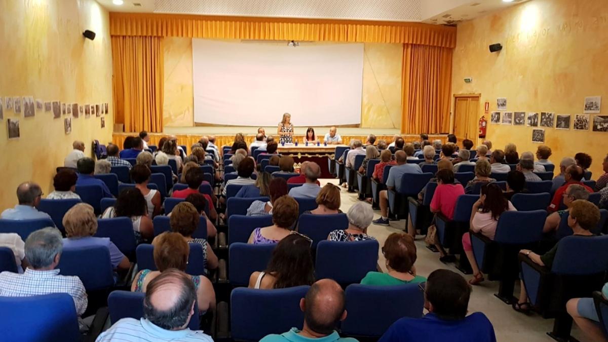 El Gobierno regional explicó a los pricenses cómo está tramitando la apertura de la residencia, cuyo nombre se elegirá por votación popular