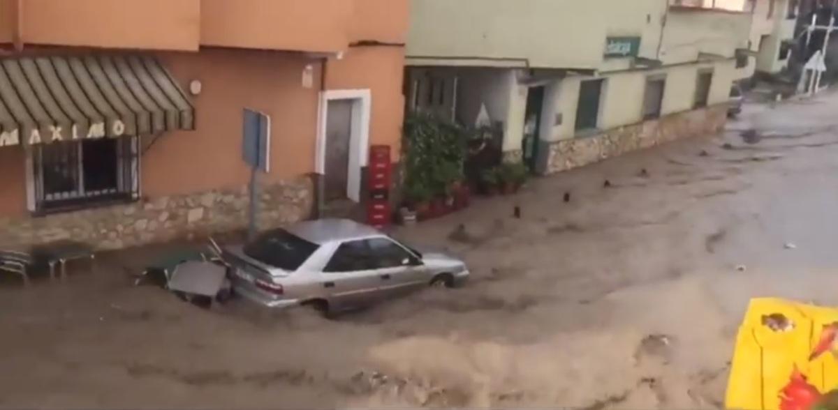 La comarca de Priego amanece con destrozos en carreteras, calles y campos de cultivo tras la tormenta del lunes
