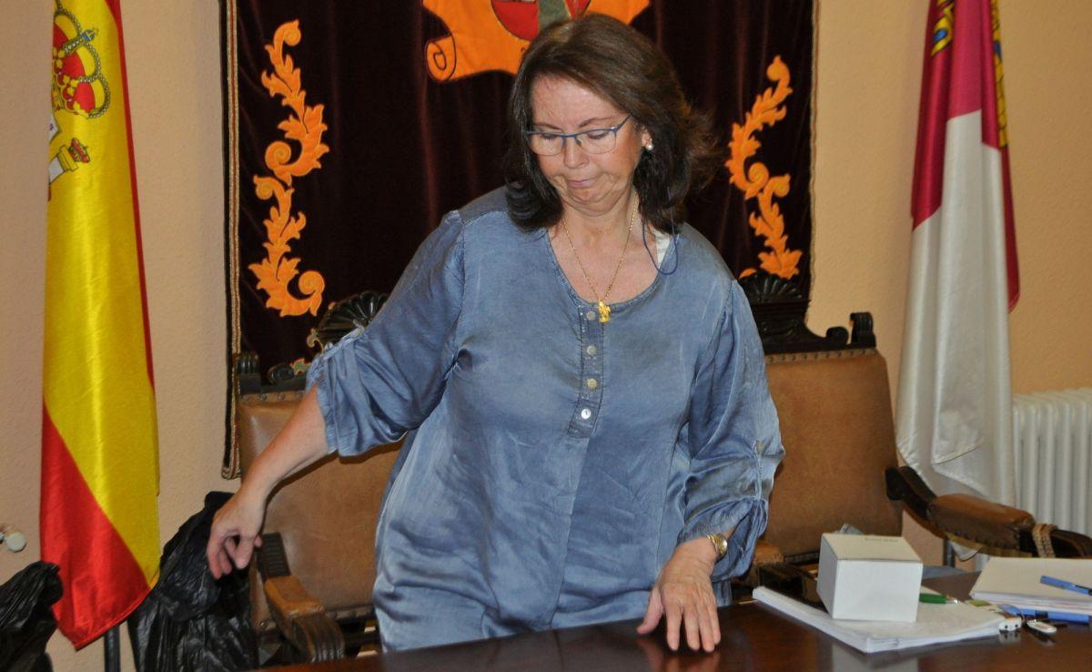 La alcaldesa se niega a explicar por qué la ordenanza de purines está paralizada desde hace siete meses