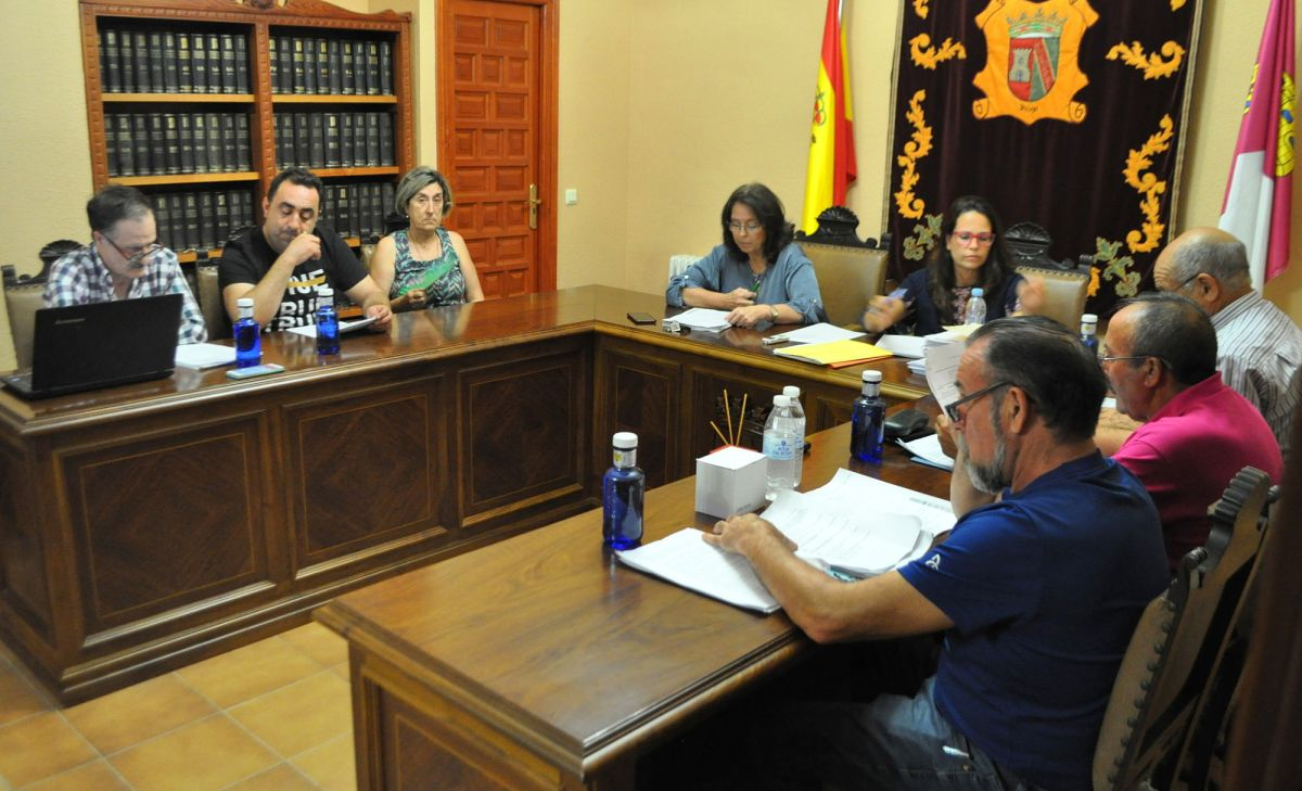 El pleno extraordinario que la oposición pidió para tratar las últimas polémicas que rodean a la Alcaldía se celebrará el 8 de noviembre