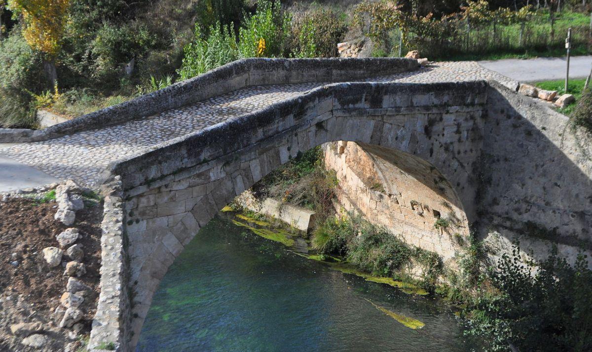 """La alcaldesa dice que el puente Liende """"está mejor que nunca"""" pero se niega a facilitar el expediente de la restauración"""