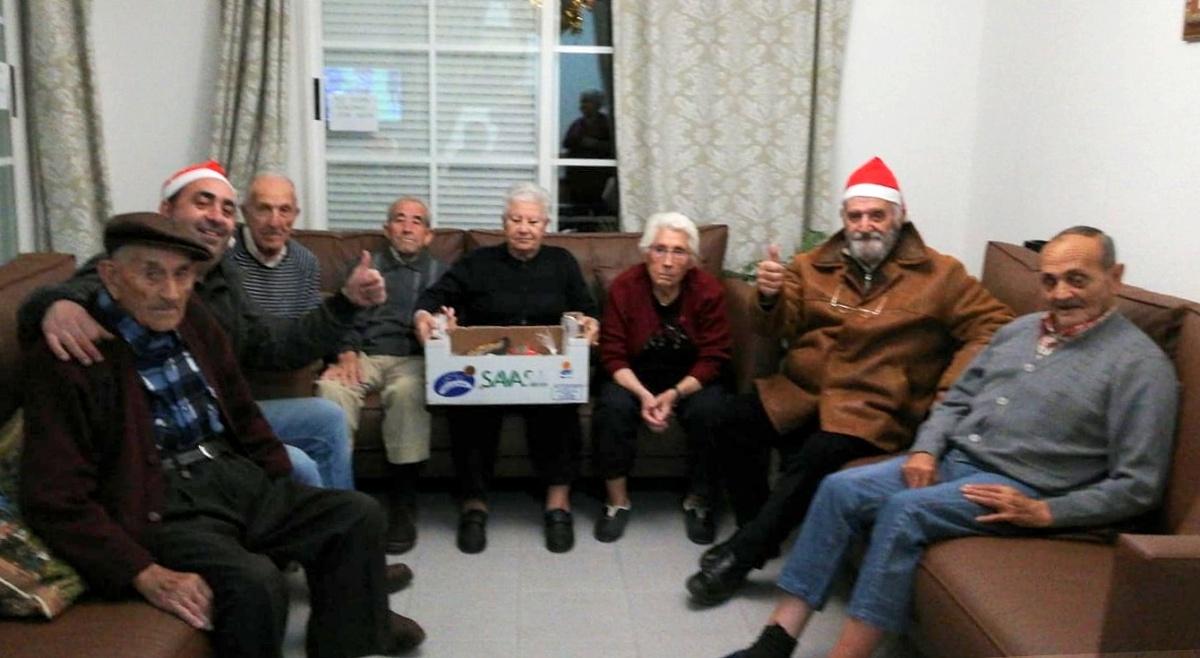 Los pricenses donaron 60 kilos de alimentos para la recogida que inició Priego Vivo