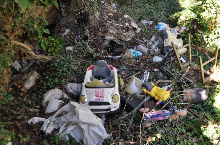 vertedero vandalismo escabas basura